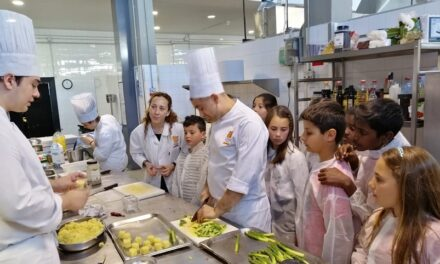 Visita a l'Escola d'Hoteleria i Turisme de Cambrils (5è d'EP)