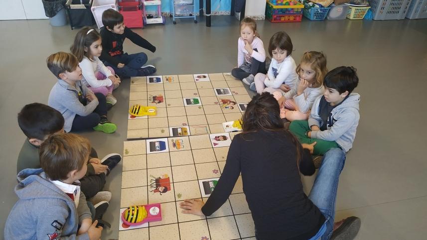 PESCA DE RESIDUS I RECICLABOT (Educació Infantil)